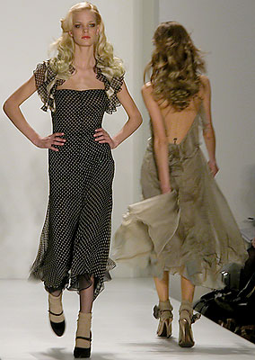Venexiana Fall 2007 (photo by Bibs Teh / Meniscus Magazine)
