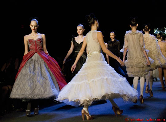 The finale of the Zac Posen Fall 2008 runway show at New York Fashion Week. (photo by Kwai Chan / Meniscus Magazine)