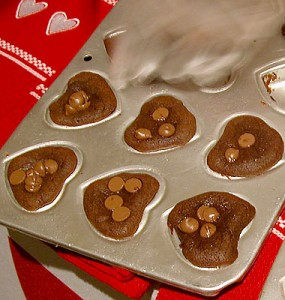 Topped with chocolate chips, the heart-shaped Luv's Brownies pack a lot of flavor and punch. (photo by Yuan-Kwan Chan / Meniscus Magazine)