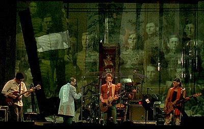The band: (l-r) Steve Hunter, Bob Ezrin, Lou Reed, Tony Smith and Fernando Saunders. (still courtesy of the Tribeca Film Festival)