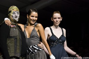 Evan Biddell (left, in disguise) with two models after his Spring 2009 show in Toronto. (photo by Kwai Chan / Meniscus Magazine)