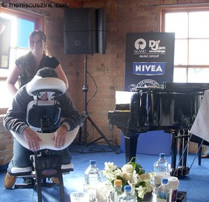 Chair massages in the Nivea Lounge at the House of Hype. (photo by Yuan-Kwan Chan / Meniscus Magazine)