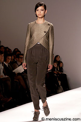 Simplicity doesn't quite pay off in the Andy & Debb Fall 2009 collection. (photo by Bibs Teh / Meniscus Magazine)