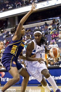 Crystal Langhorne (right) scored 23 points and had 10 rebounds for the Mystics. (photo by Kwai Chan / Meniscus Magazine)