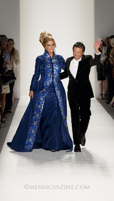 Zang Toi's longtime friend, actress Kirstie Alley, wore top-to-bottom sapphire to close his Spring 2012 runway show at New York Fashion Week. (photo by Kwai Chan / Meniscus Magazine)