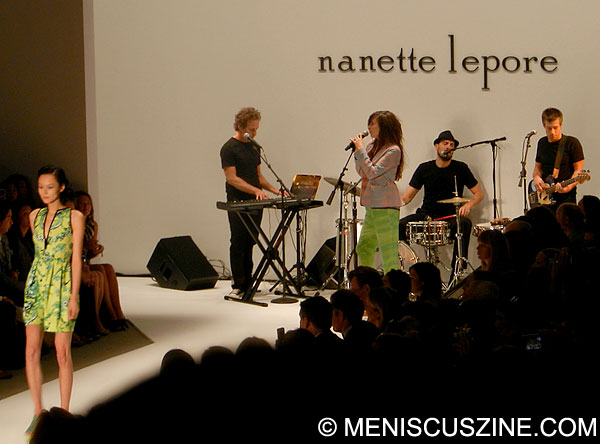 The Brazilian Girls provided the soundtrack for Nanette Lepore's Spring 2013 New York Fashion Week collection at Lincoln Center. (photo by Yuan-Kwan Chan / Meniscus Magazine)