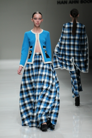 A look from the Han Ahn Soon Spring 2014 show at the Shibuya Hikarie. (photo courtesy of Mercedes-Benz Fashion Week Tokyo)