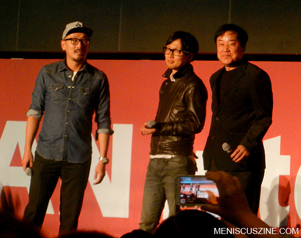 "Actor Ha Jung-woo, director Kim Byung-woo and producer Lee Choon-yeon appear before the outdoor screening of ""The Terror Live"" in Busan."