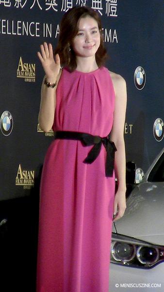 South Korean actress Han Hyo-joo on the Asian Film Awards red carpet in Macau on Mar. 27, 2014. (photo by Yuan-Kwan Chan / Meniscus Magazine)