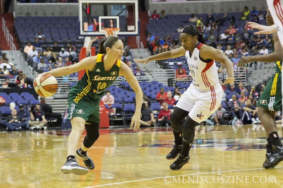 Seattle's Sue Bird (left) led all scorers in points (16) and assists (5). (photo by Kwai Chan / Meniscus Magazine)