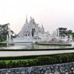 WhiteTemple_ChiangRai_Thailand_03