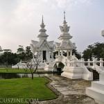WhiteTemple_ChiangRai_Thailand_13