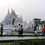 WhiteTemple_ChiangRai_Thailand_29
