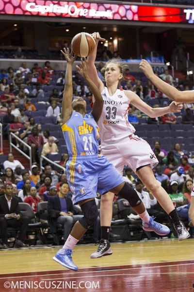 Mystics forward Emma Meesseman made her first WNBA triple-double with 16 points (7 of 11), 11 rebounds, and 10 steals. (photo by Kwai Chan / Meniscus Magazine)