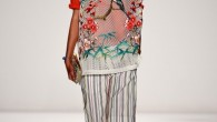 The Vivienne Tam Spring 2015 collection displayed strong craftsmanship, but it would have been a more powerful offering if there was greater cohesiveness.
