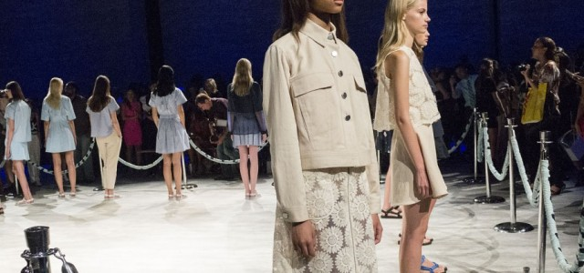 Consisting of 20 looks, the easily digestible Charlotte Ronson Spring 2015 collection continues the trends we have been seeing for the past year.