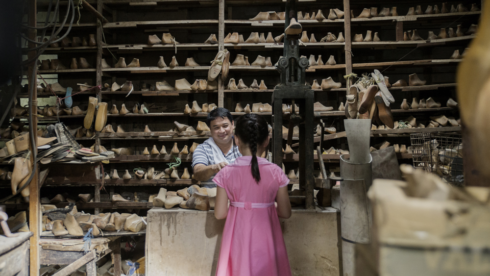 """""""Mariquina"""" feels more like a eulogy for a bygone era when the town by the same name was a thriving shoe manufacturer. (photo courtesy of the Busan International Film Festival)"""