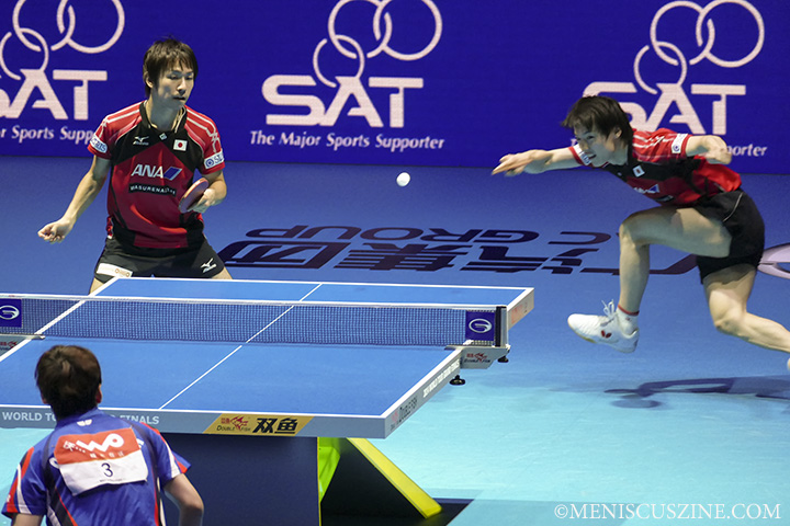 The narrow loss by Niwa (left) and Matsudaira (right) prevented a sweep by Japan of all four main ITTF World Grand Tour Finals events in Bangkok. (photo by Yuan-Kwan Chan / Meniscus Magazine)