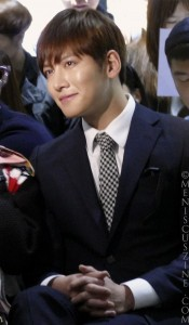 Ji Chang-wook obliges in a selfie photo on a fan's mobile device (fan removed from image). (photo by Yuan-Kwan Chan / Meniscus Magazine)