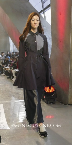 The same coat, as shown on the runway at Seoul Fashion Week. (photo by Yuan-Kwan Chan / Meniscus Magazine)