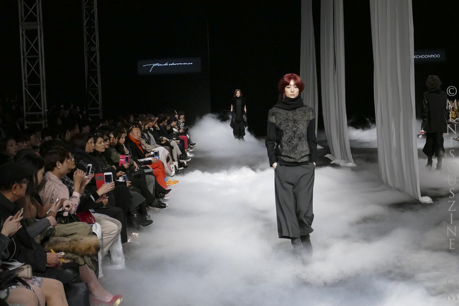 Inspired by dust and ashes: the PARKCHOONMOO Fall/Winter 2015 collection, as shown in Seoul. (photo by Yuan-Kwan Chan / Meniscus Magazine)