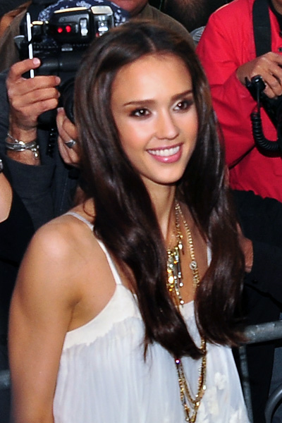 Jessica Alba in Chloé Spring 2010. (photo by Bibs Teh / Meniscus Magazine)