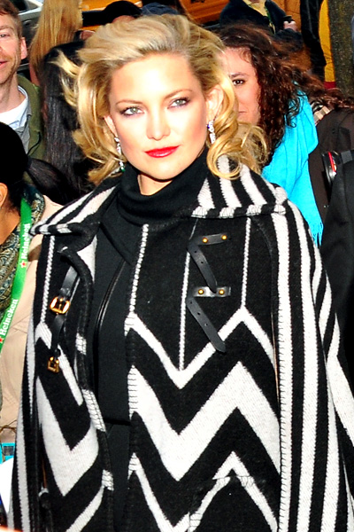 Kate Hudson in a pre-Fall 2010 Louis Vuitton poncho. (photo by Bibs Teh / Meniscus Magazine)