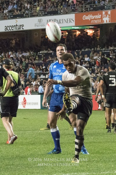 Fiji team captain Osea Kolinisau connects on a conversion. (photo by Yuan-Kwan Chan / Meniscus Magazine)