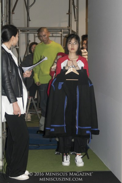In a few cases during the rehearsal, models were unavailable or were already wearing other outfits, so staff members were used as stand-ins. (photo by Yuan-Kwan Chan / Meniscus Magazine)