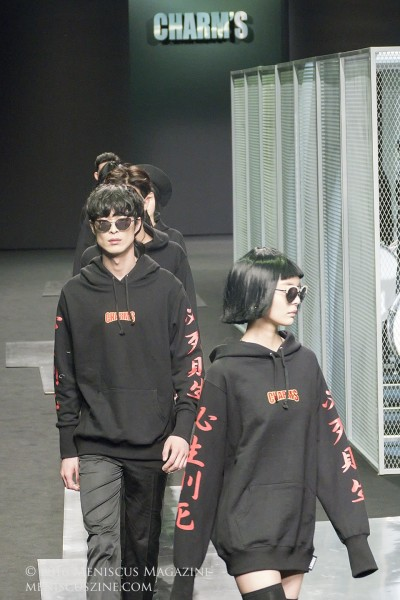Models at the finale of the CHARM'S Fall 2016 show wearing the label's Distant Future (KRW78,000), 必死則生 (KRW78,000) and Logo (KRW72,000) hoodies. (photo by Yuan-Kwan Chan / Meniscus Magazine)