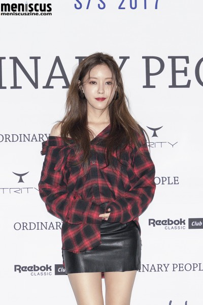 Hyomin is wearing the Damaged Holiday Red Check Shirt from the Ordinary People Fall 2016 collection, which retails for 88,000 KRW (US$77.80). (photo by Yuan-Kwan Chan / Meniscus Magazine)