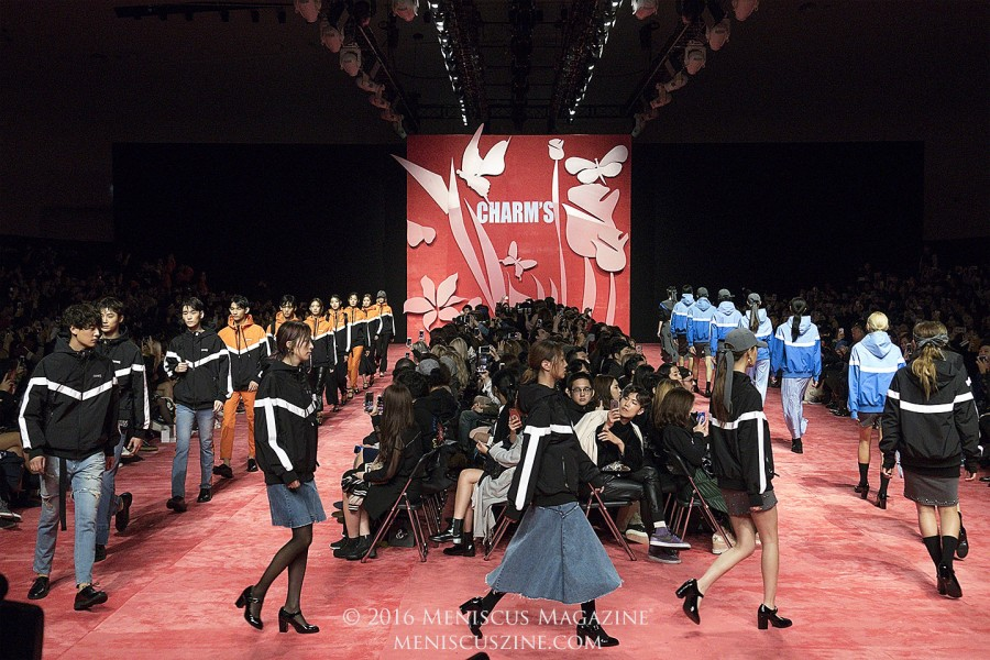 The finale of the CHARM'S Spring 2017 show. (photo by Yuan-Kwan Chan / Meniscus Magazine)