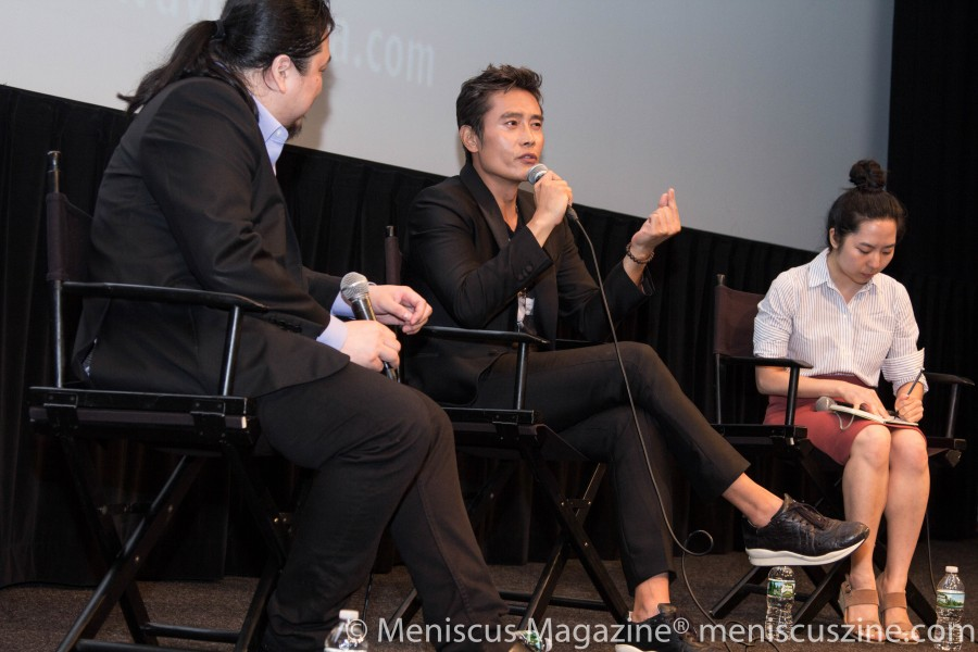 "Lee Byung-hun (center) at a Q&A session at the screening of ""Inside Men"" on July 5. (photo by Yanek Che / Meniscus Magazine)"