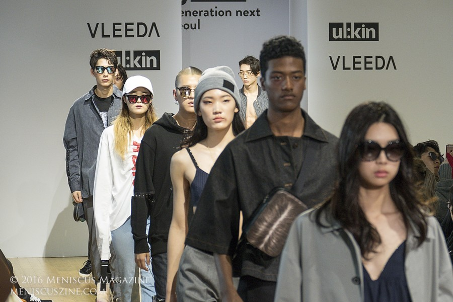 """The finale of the ul;kin Spring 2017 collection shown at Seoul Fashion Week as part of its """"Generation Next Seoul"""" series showing up-and-coming designers. (photo by Yuan-Kwan Chan / Meniscus Magazine)"""