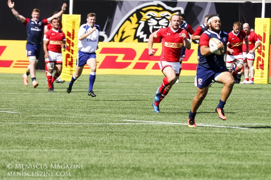 Mike Te'o (right) scored two of the United States' four tries. (photo by Kwai Chan / Meniscus Magazine)