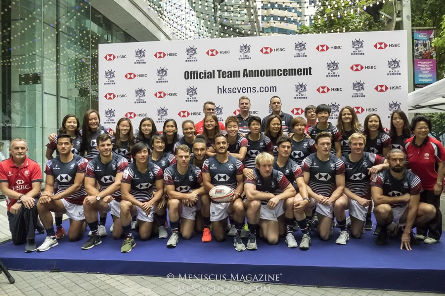 Members of both the women's and men's teams pose for the cameras at the end of the event. (photo by Yuan-Kwan Chan / Meniscus Magazine)
