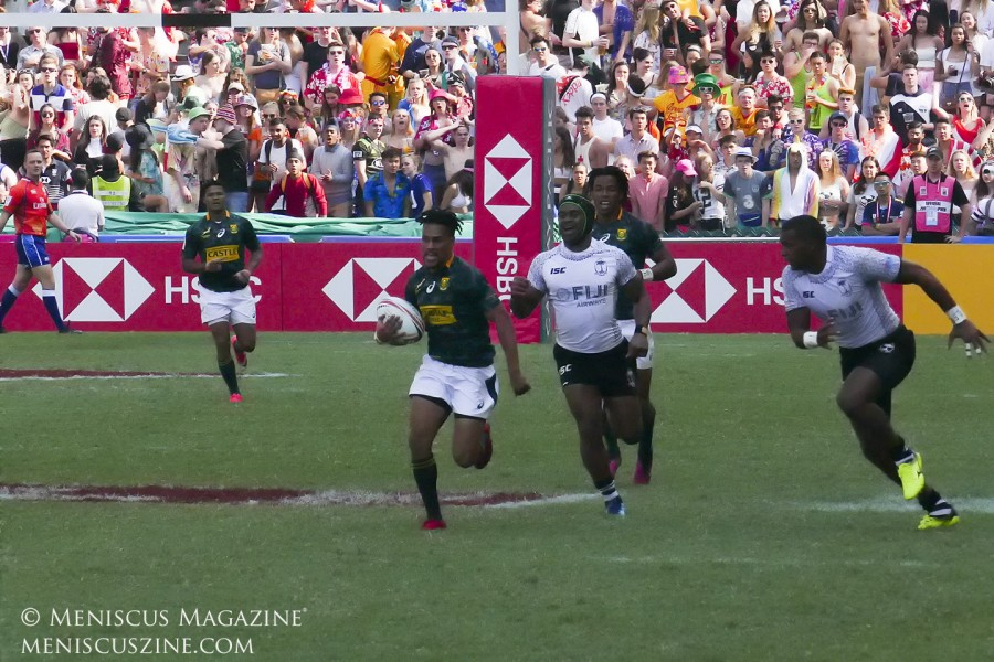 Selvyn Davids scored a hat trick for South Africa in his side's 26-24 loss to Fiji in the Hong Kong Sevens Cup semifinal. (photo by Yuan-Kwan Chan / Meniscus Magazine)