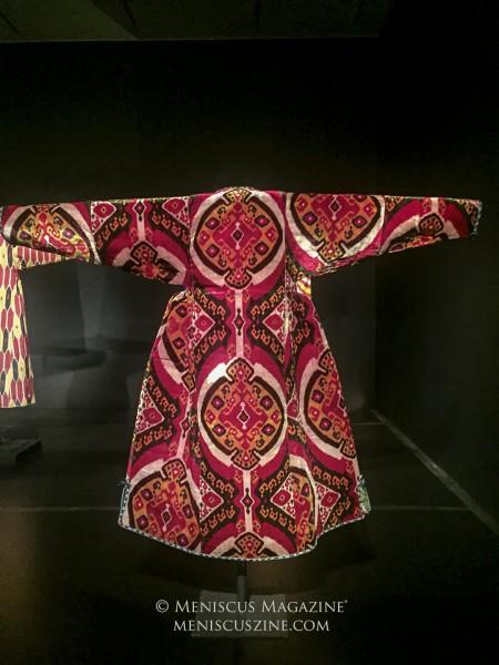 Woman's robe (munisak) Central Asia, 1850–75 Silk velvet Gift of Guido Goldman Arthur M. Sackler Gallery, S2004.94 (photo by Megan Lee / Meniscus Magazine)