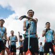 "Fearing a round of layoffs, four mid-career telecom workers join the company's dragon boat team in a bid to avoid the chop in ""Men on the Dragon"" (逆流大叔)."