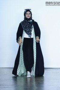 Vivi-Zubedi-Spring-2019-NYFW-Indonesian-Diversity (26)