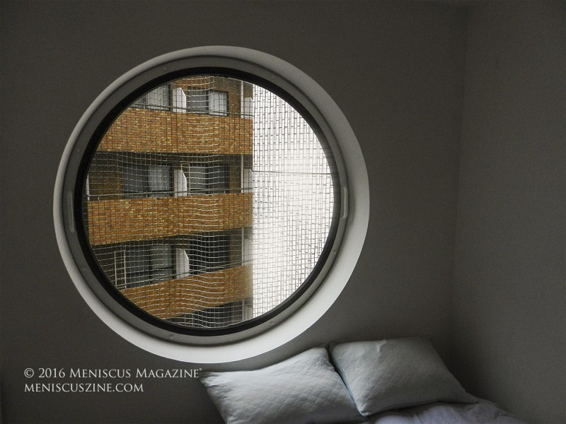 A room with a view in the Nakagin Capsule Tower. (photo by Yuan-Kwan Chan / Meniscus Magazine)